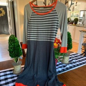 Orange and grey knit Eliza J large dress! 🧡🖤